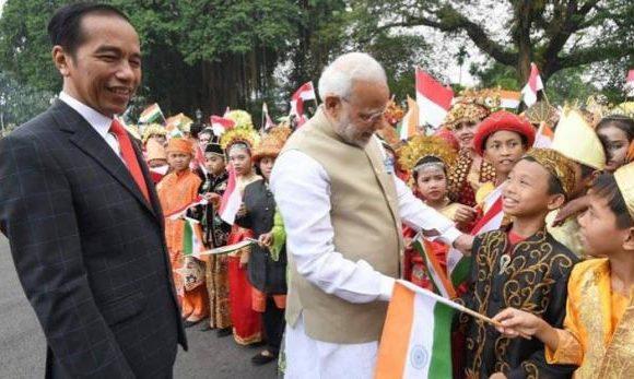 इंडोनेशिया दौरे पर पीएम मोदी, बोले आतंकवाद को मिलकर करेंगे खत्म