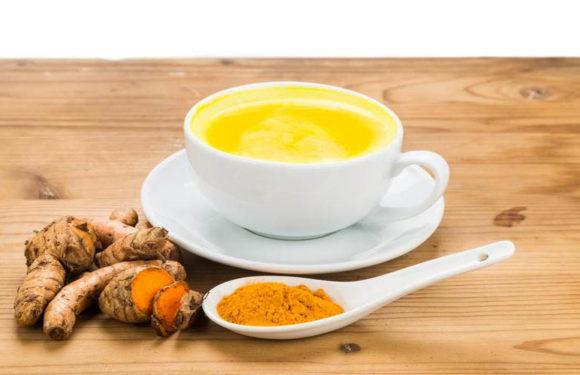 हल्दी की चाय, पेट की चर्बी कम करने का बेहतरीन तरीका
