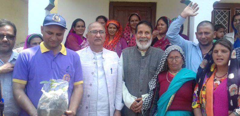 चंडी प्रसाद भट्ट समेत मुख्यमंत्री के वैज्ञानिक सलाहकार ने किया गांवों का भ्रमण