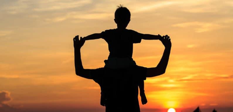 इस बार फादर्स-डे पर पिता को क्या दे सकते हैं ख़ास ?