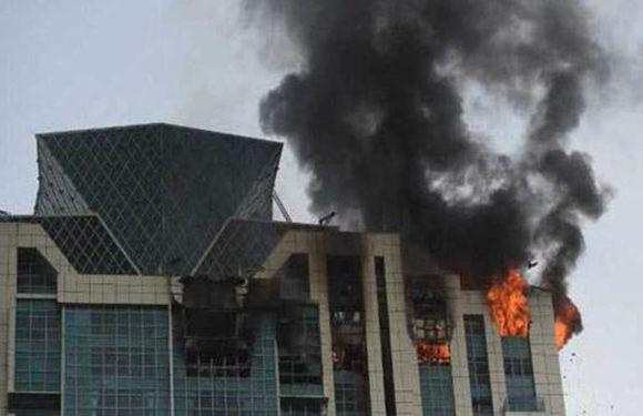 इस बॉलीवुड ऐक्ट्रेस की बिल्डिंग में लगी आग
