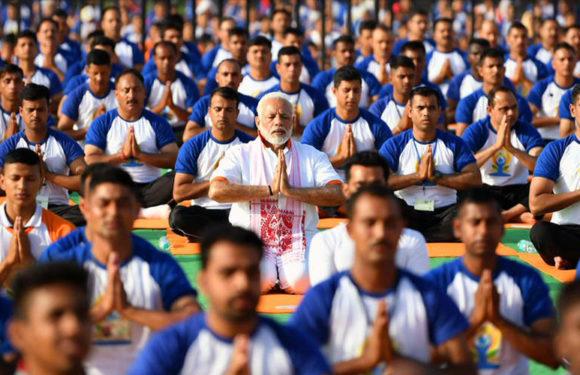 भारतीय वन अनुसंधान संस्थान में प्रधानमंत्री के साथ 50 हजार लोगों ने किया योग