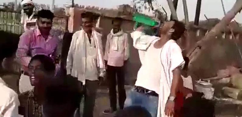 नशे में धुत सरकारी कर्मचारी अपना कर्तव्य भूल डयूटी पर जमकर नाचे, डीएम हुए शख्त
