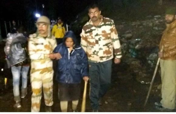 एक बार फिर रूकी अमरनाथ यात्रा श्रध्दालुओं की मुसीबत बनी बारिश