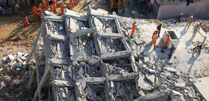 ग्रेटर नोएडा में ढही 2 इमारत, 3 लोगों की मौत, बचाव कार्य जारी
