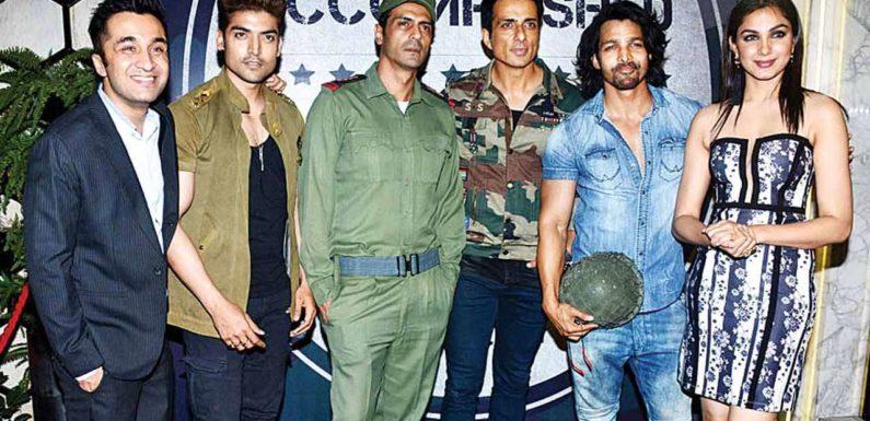 जेपी दत्ता की फिल्म 'पलटन' का टीजर हुआ रिलीज, कई किरदार का लुक आया सामने