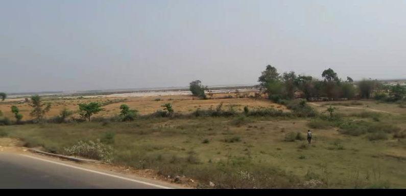 फैजाबाद जिला प्रशासन पर बिना मुआवजे के भूमि अधिग्रहण करने का आरोप