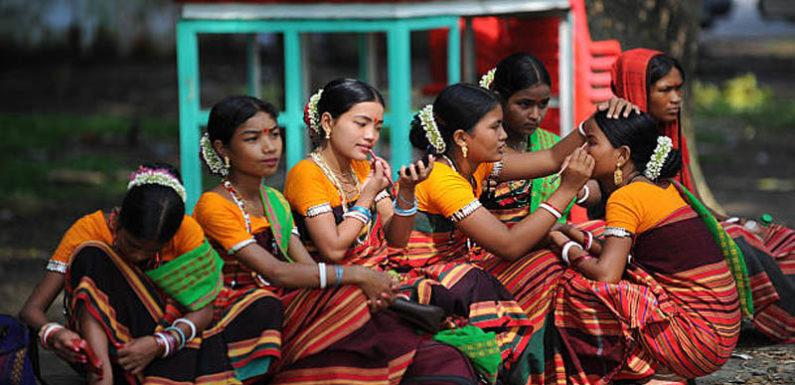 अंतर्राष्ट्रीय आदिवासी दिवस 9 अगस्त 2018 पर विशेषः आदिवासी समाज को तोड़ने की साजिश क्यों ?