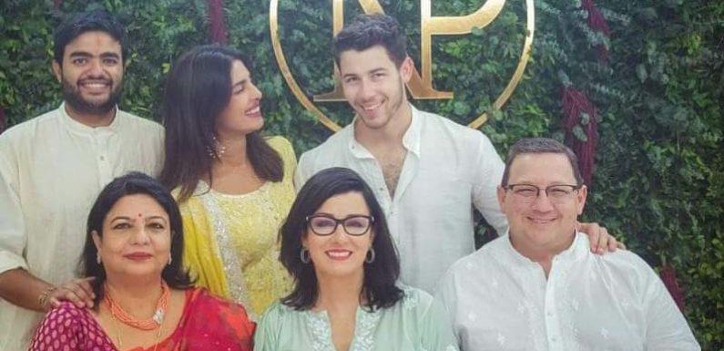 प्रियंका के रोका के बाद निक जोंस और उनके माता-पिता अमेरिका के लिए रवाना