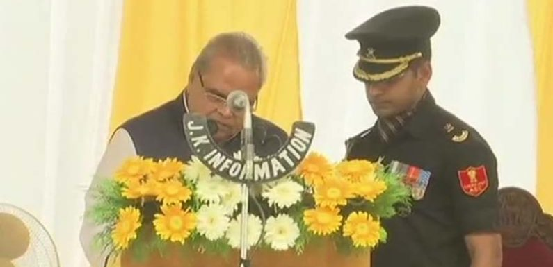जम्मू-कश्मीर के गवर्नर के रूप में सत्यपाल मलिक ने ली शपथ