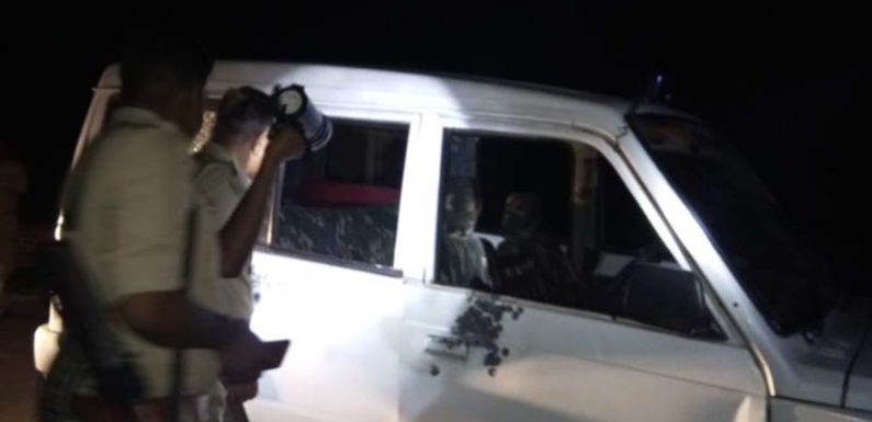 पुलिस मुठभेड़ में एक लाख का इनामी बदमाश गिरफ्तार 3 पुलिसकर्मी जख्मी