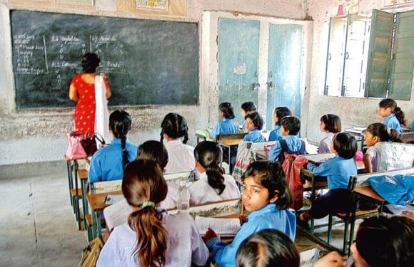 शिक्षकों और गेस्ट टीचरों की स्थायी नियुक्ति मई 2019 तक करे सरकार-हाईकोर्ट