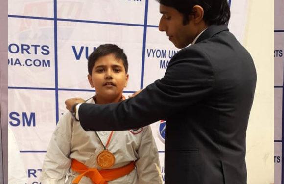 अनीश तिवारी ने कराटे प्रतियोगिता में झटका गोल्ड