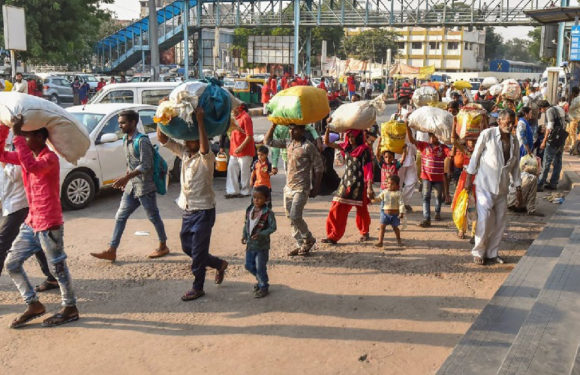 गुजरात में पलायन की त्रासद घटनाएं क्यों?