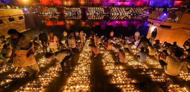अयोध्या में बना विश्व रिकॉर्ड, जलाए गए 3 लाख 1 हज़ार 152 दीपक, Guinness book की टीम ने की पुष्टि