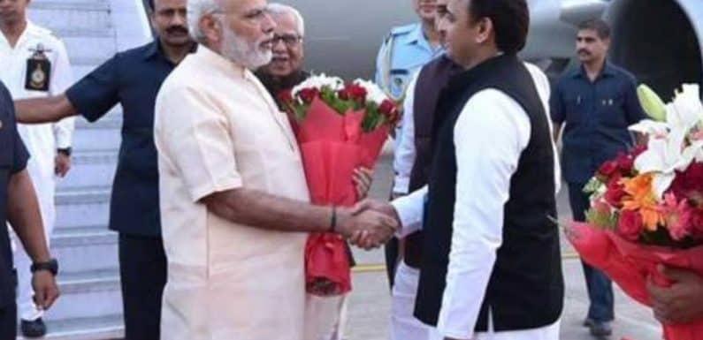 राफेल पर मोदी के साथ अखिलेश, राहुल का विरोध