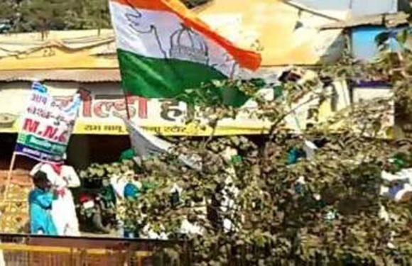 राष्ट्रीय ध्वज के अपमान का आरोप, हिंदू संगठनों ने की कार्रवाई की मांग