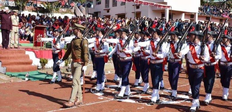 गणतंत्र दिवस समारोह में विभिन्न कार्यक्रमों में दिखा देश भक्ति का नजारा
