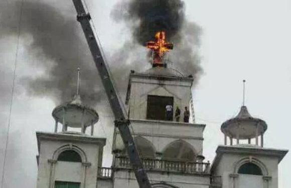 उइगर मुस्लिमों पर शिकंजे के बाद, एक एक कर चर्च बंद कर रहा है चाइना