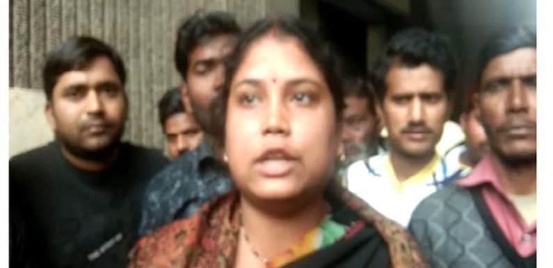 पटरी दुकानदारों को हटाए जाने पर भड़की BJP नेत्री, प्रभारी डीएम से की मुलाकात