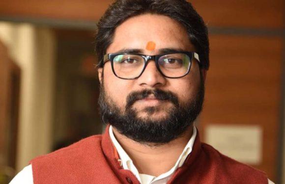 चंदौली से महेन्द्रनाथ पांडे के चुनाव न लड़ने की चर्चा, इस युवा चेहरे को मिल सकता है टिकट