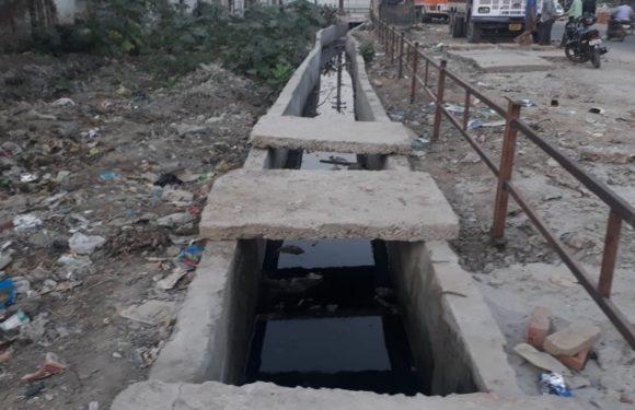 सीतापुर- अच्छा तो ऐसे हुआ 20 लाख के नाला निर्माण में घोटाला !कमेटी करेंगी जाँच