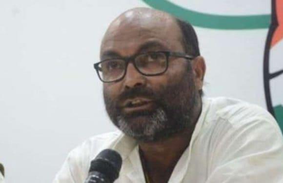 यूपी में किसानों की आत्महत्या बढ़ी, योगी, मोदी की सरकार अमीरों के साथ खड़ी है-लल्लू