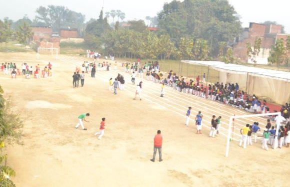खेल प्रतियोगिता में दी गई पुलवामा के शहीदों को श्रद्धांजलि