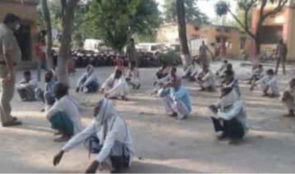 बहराइच में नमाजियों किया पुलिस पर पथराव, केस दर्ज़