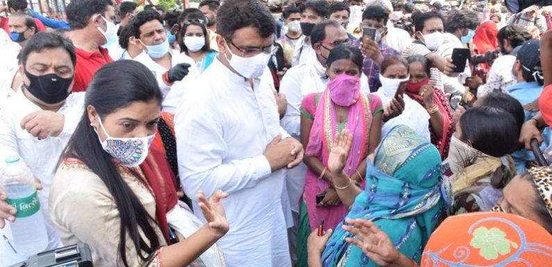 रेलवे पटरी के नजदीक बसी झुग्गी झौपड़ी निवासियों के हितों की लड़ाई लड़ेगी कांग्रेस