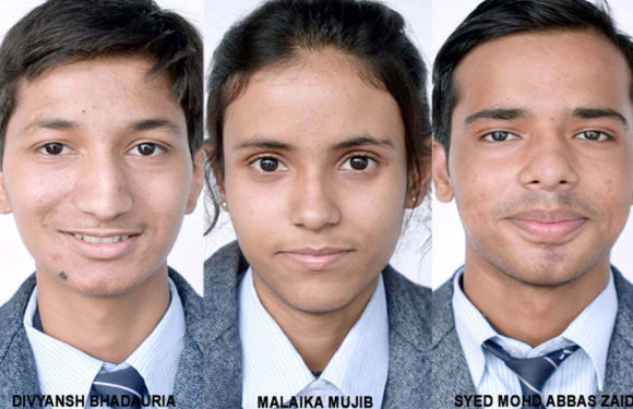 सी.एम.एस. चैक कैम्पस के तीन छात्रों को 12 लाख रूपये की स्कालरशिप