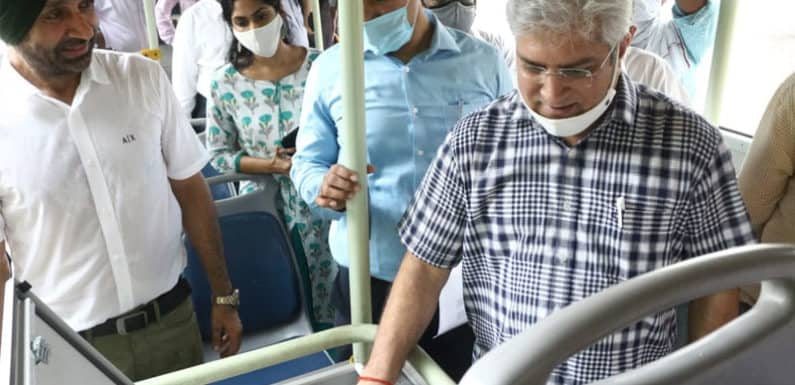 महिला यात्रियों की सुरक्षा के लिए DTC लगाएगी बसों में पैनिक बटन