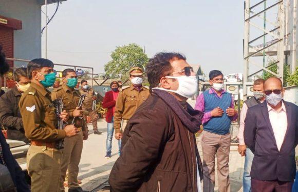 लखनऊ : ऊर्जा मंत्री के विद्युत उपकेंद्र पहुँचने पर हड़कंप