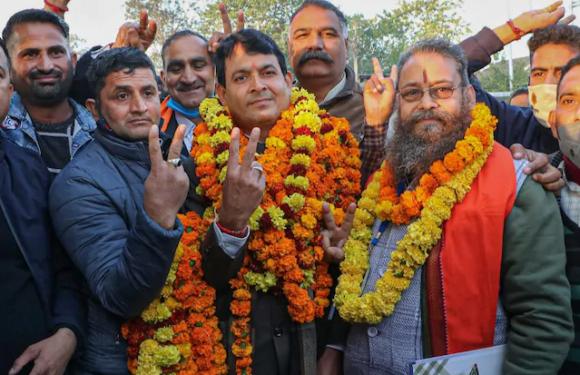 J&K DDC ELECTION : जम्मू में बीजेपी की शानदार जीत, कश्मीर में गुपकार का दबदबा