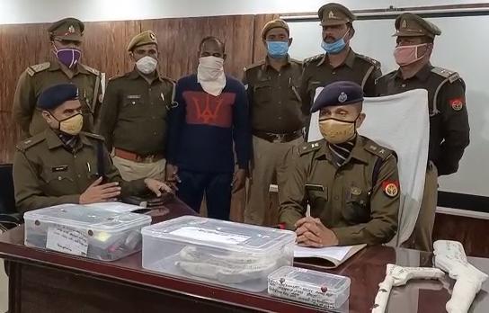 गोण्डा में चल रहे अवैध असलहा फैक्ट्री का भंडाफोड़