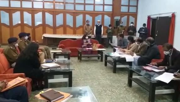 नोडल अधिकारी मोनिका एस. गर्ग  ने की समीक्षा बैठक
