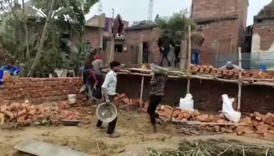 सिद्धार्थनगर : नगर पालिका बेशकीमती जमीनों पर कर रही अवैध निर्माण