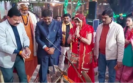 उन्नाव : सीडीओ राजेश प्रजापति की पत्नी डॉ श्रेया ने किया मिशन शक्ति का उद्घाटन