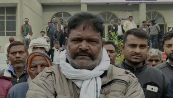 सिद्धार्थनगर : जिले में एक प्रधान की दबंगई, सड़क पर किया कब्ज़ा