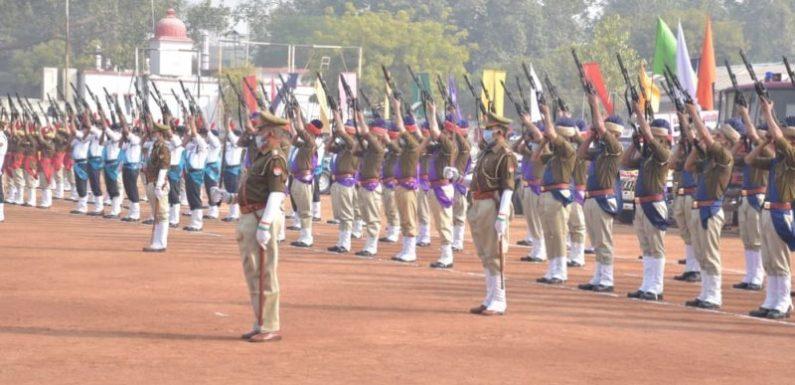झाँसी : गणतंत्र दिवस के भव्य परेड की फाइनल रिहर्सल परेड