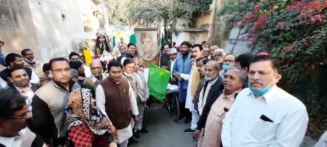 झाँसी : नेताजी सुभाष चंद्र बोस जयंती शोभायात्रा का शुभारंभ