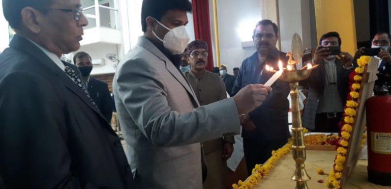 झाँसी: बुंदेलखंड विश्वविद्यालय में मनाया गया पराक्रम दिवस