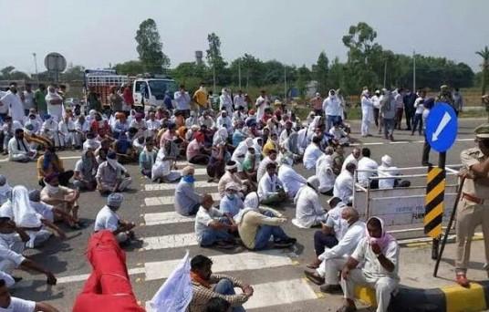 किसानों ने अब देशव्यापी चक्का जाम आंदोलन करने का लिया फैसला
