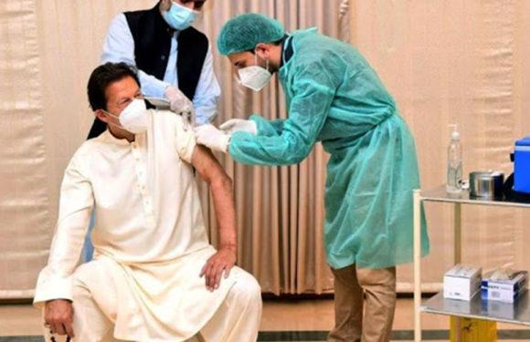PAK PM Imran Khan: पाक के PM इमरान खान कोरोना पॉजिटिव, दो दिन पहले लगवाई थी चीनी वैक्सीन