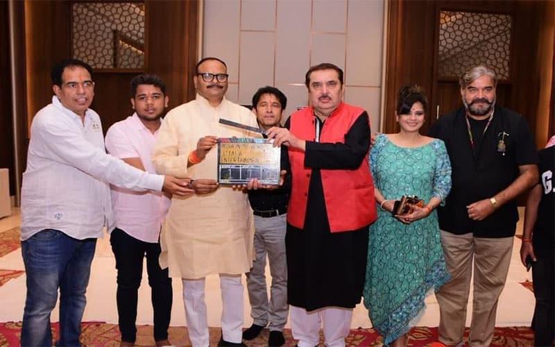 PM मोदी पर बन रही नई फिल्म का शुभारंभ