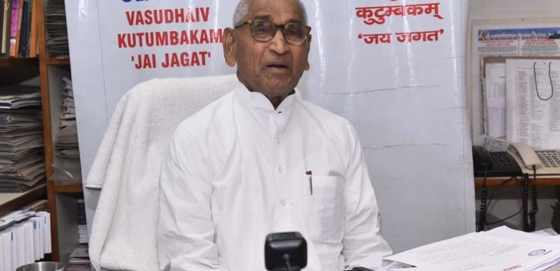 डा. जगदीश गाँधी ने 12वीं की बोर्ड परीक्षाओं के आयोजन हेतु प्रधानमंत्री से की अपील