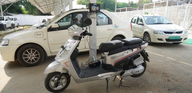 मालवीय नगर में सौर पैनलों के साथ दिल्ली का नया माइक्रो-ग्रिड पावर स्टेशन शुरू
