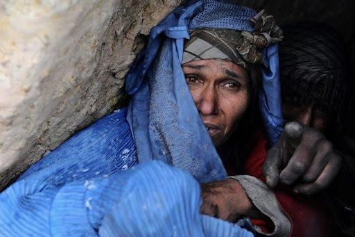 तालिबानियों की गन्दी हरकतों को बयां करती अफगानी महिला