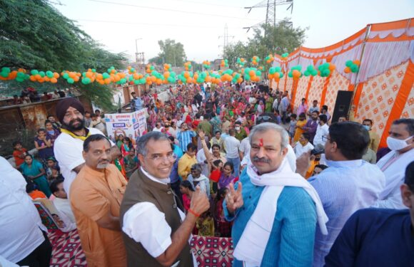 दिल्ली भाजपा अध्यक्ष ने झुग्गी सम्मान यात्रा के माध्यम से मुखर्जी नगर-तिमारपुर में जनसम्पर्क